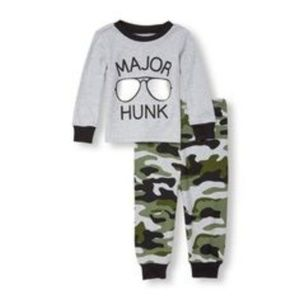 Major Hunk Outfit by The Children's Place (0-3 mo)